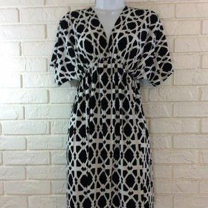 Chesley Black and White Stretch Dress Sz Small